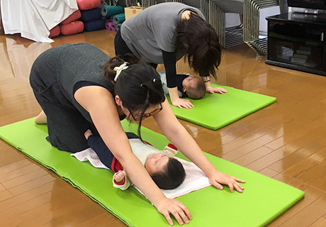 産後ヨガ教室